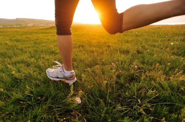 아침공복 운동이 다이어트에 그렇게 좋다면서? 봄바람 맞으며 달려보자.