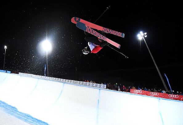 지난해 3월 스페인 시에라네바다에서 열린 국제스키연맹(FIS) 세계선수권에 출전한 로완 체셔. 게티이미지코리아