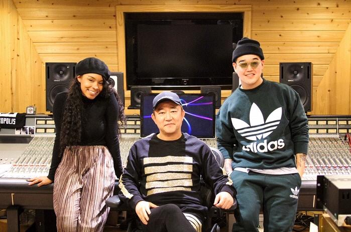 영턱스클럽-이효리의 '훔쳐보기'…美 R&B 흑인 여가수 제니 리릭의 'CLOSER'로 재탄생