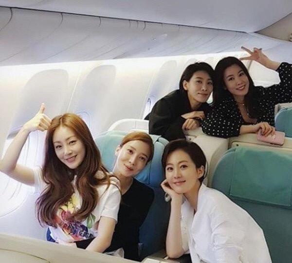 """'스카이캐슬' 캐슬 퀸즈부터 아역들까지 포상휴가 인증샷 """"절친 케미 뿜뿜"""""""