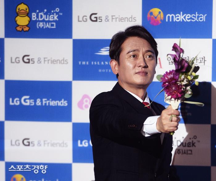 배우 김병옥이 12일 음주운전 혐의로 적발돼 물의를 빚었다. 이선명 기자 57km@kyunghyang.com
