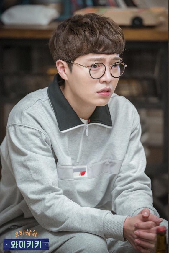 무면허 음주 뺑소니 혐의를 받는 배우 손승원이 징역 4년을 구형받았다. JTBC '으라차차 와이키키'