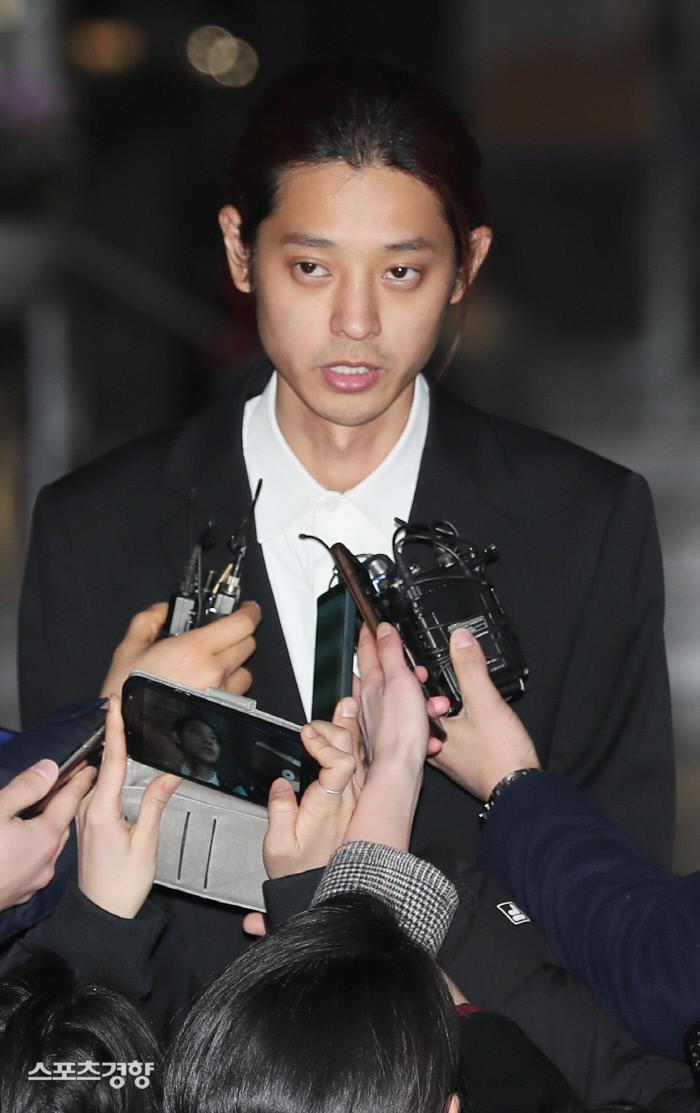 가수 출신 정준영이 최대 7년 6개월형을 받을 수 있다는 전망이 나왔다. 연합뉴스