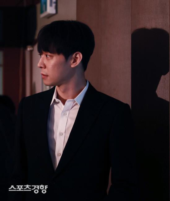 [스경X이슈] 박유천 계약해지 JYJ 2인조 되나? 가능성 희박 솔로활동 집중 할 듯 | 인스티즈