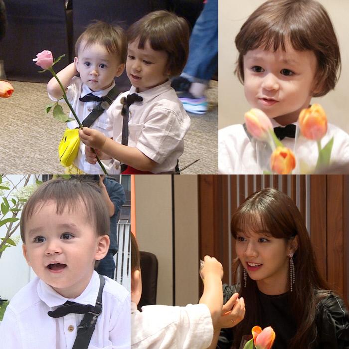 윌벤져스, 샘 아빠 시상식 꽃돌이 변신해 특급 스타들 만남 '슈퍼맨이 돌아왔다'.  KBS 2TV 제공