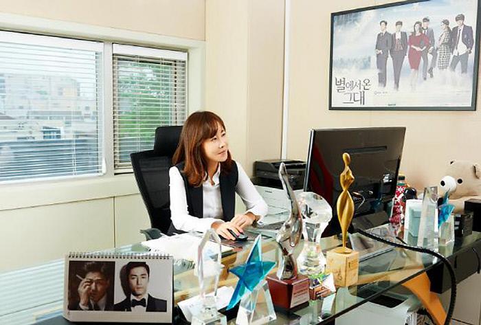 구혜선은 파경의 원인 중 하나로 문보미 대표를 지목하기도 했다. 소속사 제공