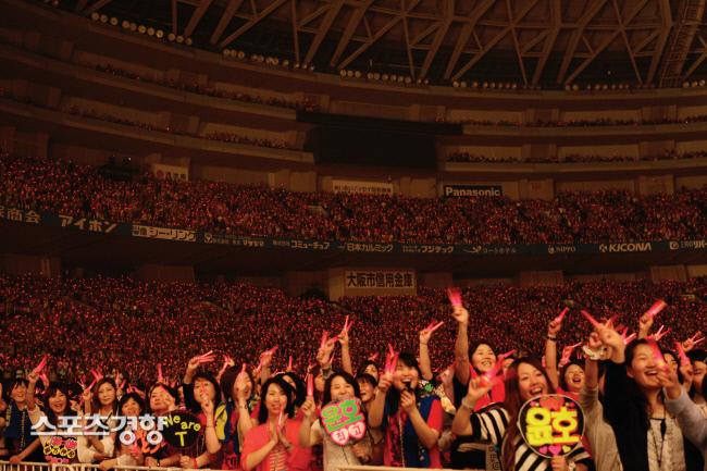 일본 한류 콘서트 현장. 사진 경향신문DB