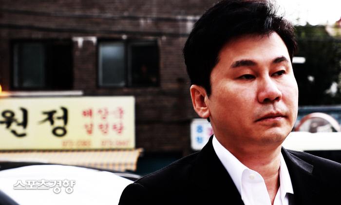 양현석 전 대표에 대한 성매매 알선 혐의가 불기소 처분으로 결론나자 YG 엔터테인먼트이 주가가 급등했다. 이선명 기자 57km@kyunghyang.com