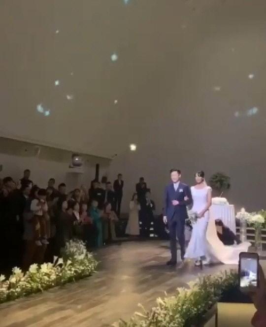 프로듀서 프라이머리와 모델 남보라가 9일 결혼했다. 남보라 사회관계망서비스(SNS) 인스타그램 캡처