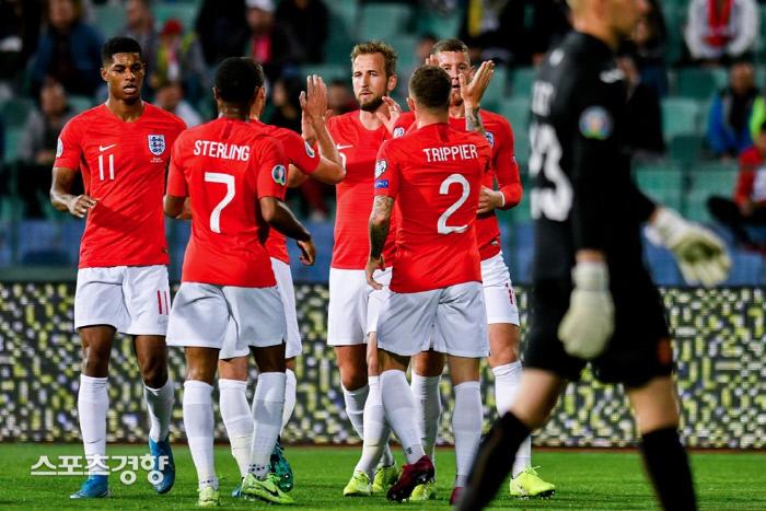 잉글랜드는 15일(한국시간) 유럽축구연맹(UEFA) 유로 2020 조별예선 A조 8차전에서 불가리아에 6-0으로 대승했다. 유럽축구연맹 홈페이지