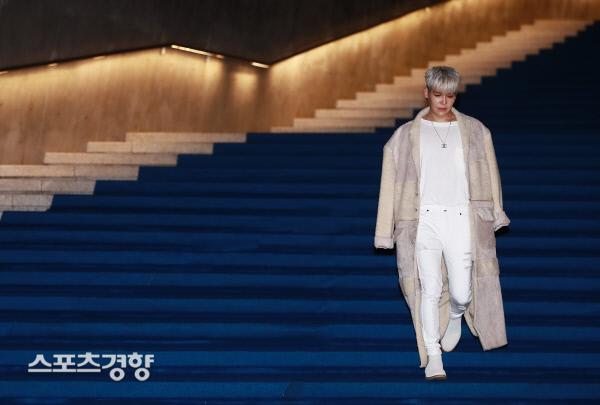[스경포토] [서울패션위크] 강성훈, 우수에 찬 표정으로