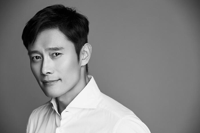 """""""모두 힘 모으길"""" 이병헌, 코로나19 확산 방지 위해 1억 원 쾌척"""