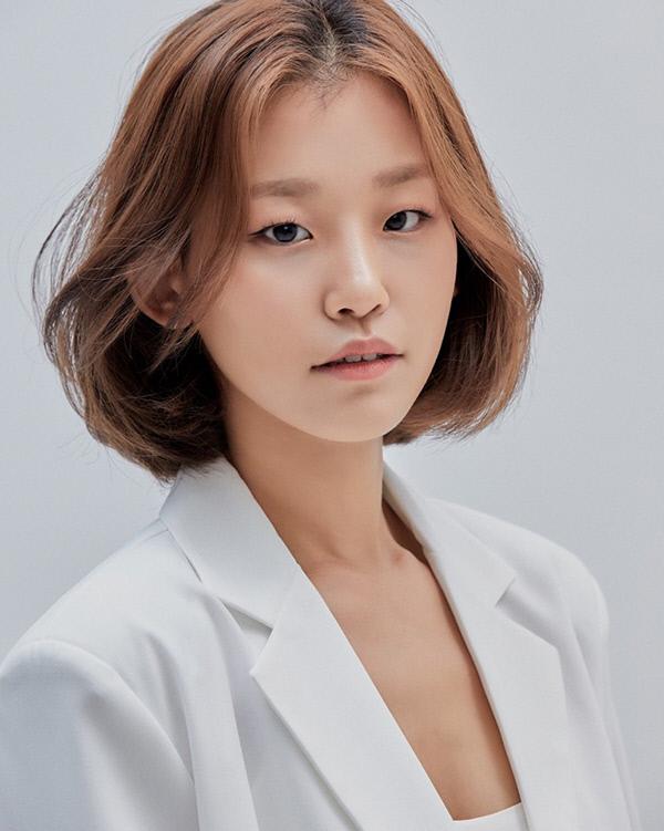 신예 김현주 '낫아웃' (Not Out) 수현 역으로 은막 데뷔 | 인스티즈