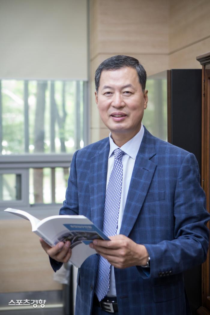 [인터뷰] 김성택 본부장, 베팅산업 건전화 '온라인 베팅'이 답이다